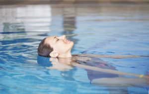 4 Key ACL Swimming and Water Exercises After Surgery to